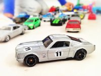 Samochód zabawka